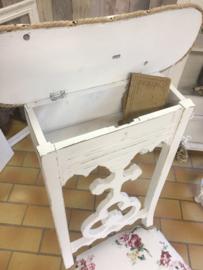 Antiek brocante bidstoel sfeervol bekleed