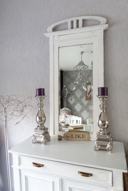 Mooie brocante halspiegel , dressoirspiegel