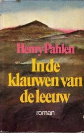 Henry Pahlen [Heinz G. Konsalik] - In de klauwen van de leeuw