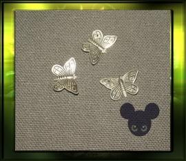 Kleine vlinder / oud  zilver