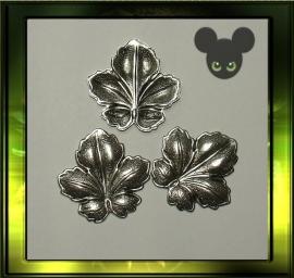 Blad ornament/ oud zilver