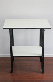 Geëmailleerd tafeltje / Enamelled table [verkocht]