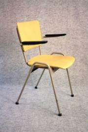 Ahrend bureaustoel geel / Ahrend desk chair yellow 1965 [sold]