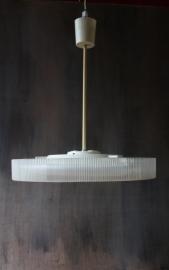 Belgische hanglamp kunststof ribbels `60 / Belgium ceiling lamp synthetic ribs `60