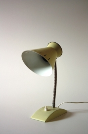 Hala bureaulamp `50 lichtgeel / Hala desklamp yellow `50 [verkocht]