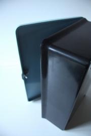 Bakeliet kastje blauw /  Bakelite blue cupboard