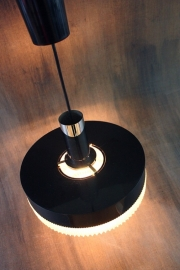 Hoogglans zwarte hanglamp sixties / Highgloss black hanging lamp sixties [sold]