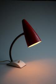 Rood vintage bureaulampje / Red vintage desklamp