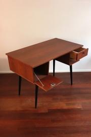 Vintage strak bureautje / Vintage cool desk [sold]