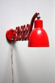Rode vintage schaarlamp /  Red vintage scissor lamp [verkocht]