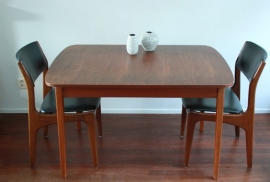 tafel+5 stoelen scandinavisch / table+5 chairs scandinavian [verkocht]