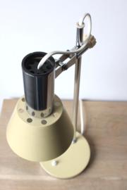 Gele vintage bureaulamp /  Yellow desk lamp