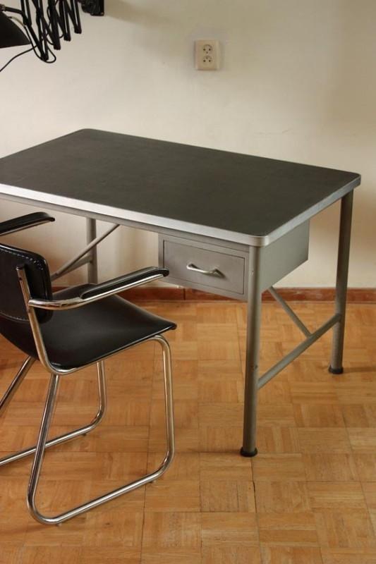 Industrieel vintage bureau Elva / Desk industrial vintage style Elva Holland (verkocht)