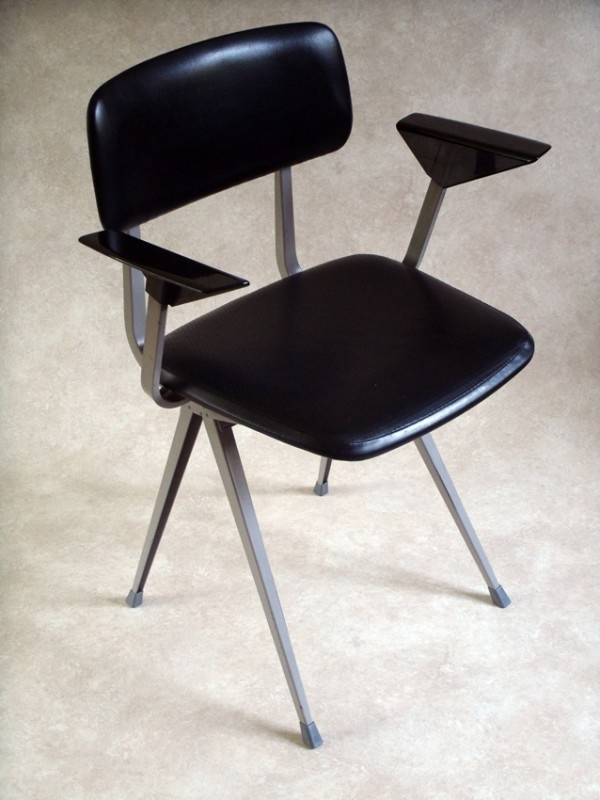 Friso Kramer Bureaustoel.Ahrend Friso Kramer Bureaustoel 68 Ahrend Friso Kramer Desk