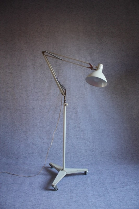 Hala staande industriële lamp / Hala floorlamp industrial style [verkocht]