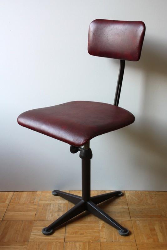 Ahrend De Cirkel industriële stoel / Ahrend De Cirkel industrial deskchair
