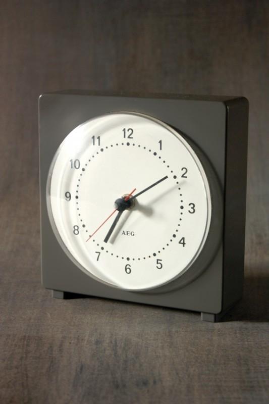Strak gestileerd klokje AEG / Cleanly designed clock AEG