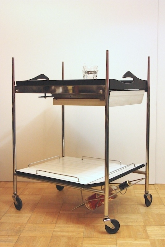 Serveerwagentje zwart-wit-chroom / Serving trolley black-white-chrome [sold]