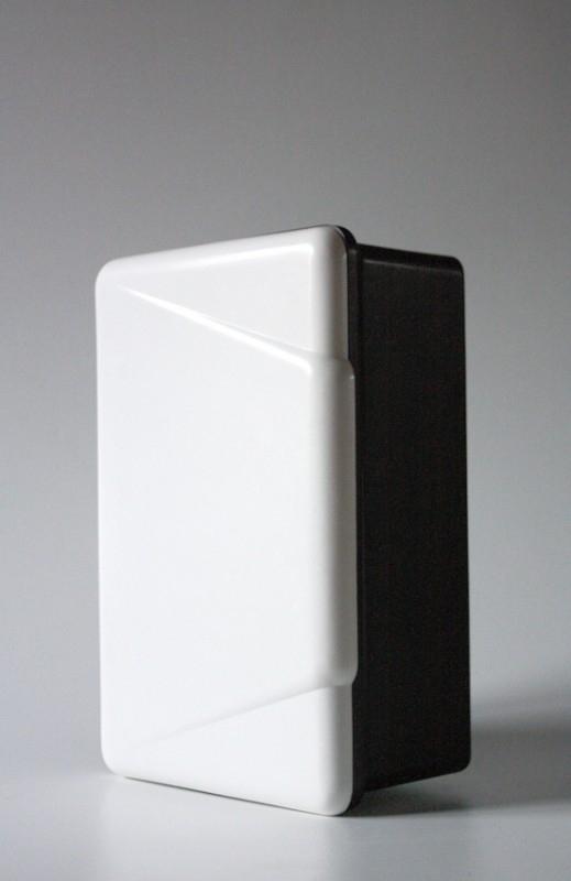 Bakeliet wandkastje / Bakelite wall cabinet