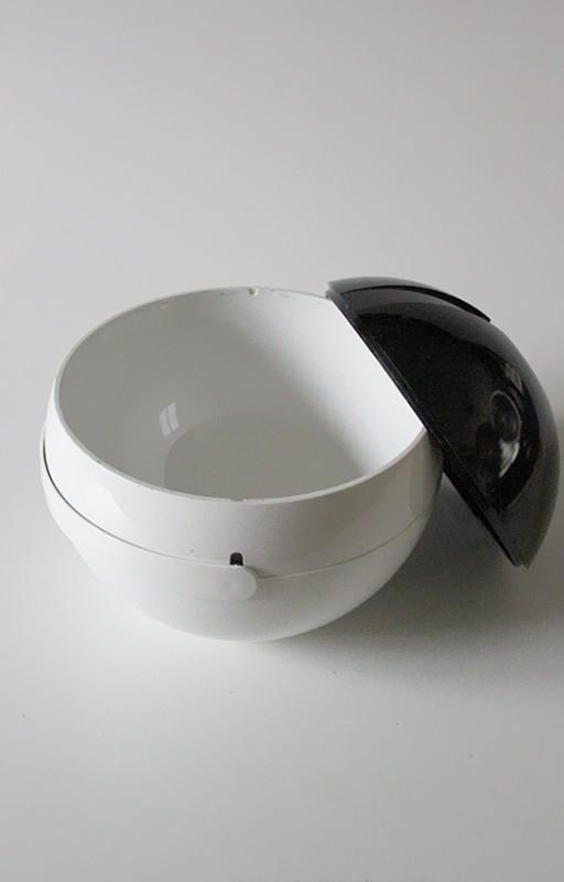 IJskoeler `70 / Icecube bowl `70 [sold]