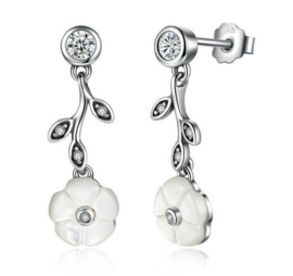 silver mother of pearl flowers earrings