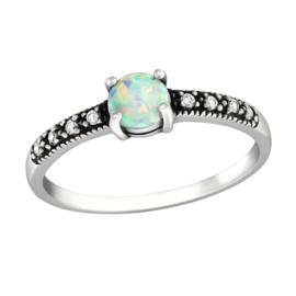 zilveren ring met opaal en zirkonia