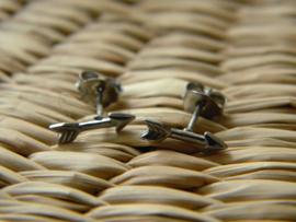 zilveren zwarte pijltjes oorbellen