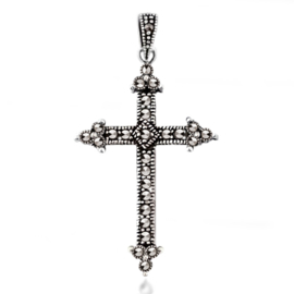 zilveren kruis hanger met Markasiet edelsteen