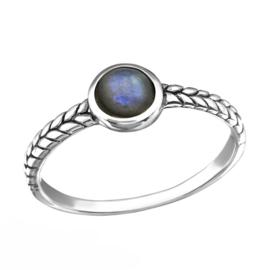 Zilveren gevlochten ring met Labradoriet
