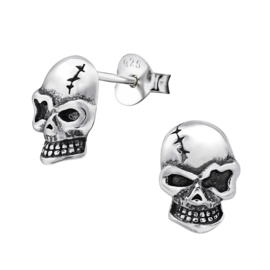 Zilveren doodshoofd oorbellen