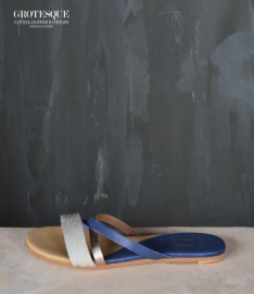 Grotesque || FLIPFLOP: white navy