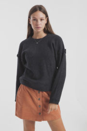 Tkinkin Mu || WOOL sweater: black