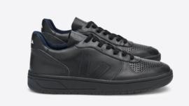 Veja || V-10: black black sole