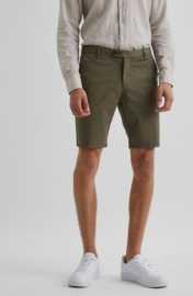 Bertoni || BLOCH chino shorts: Army green