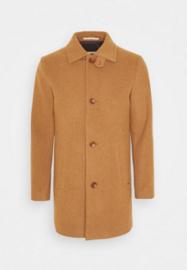Bertoni || KLAKSVIG coat: camel