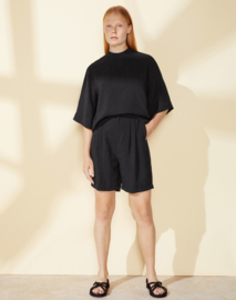 Elvine || LIS Short: black