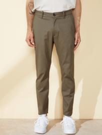 Elvine || CRIMSON pants: Castor green