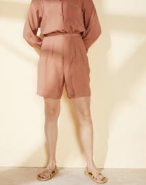 Elvine || LIS shorts: Mocha Mousee