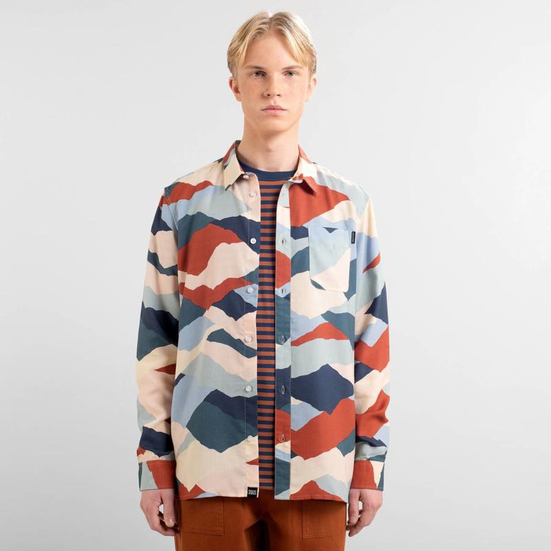 Dedicated || VARBERG shirt: mountain peaks