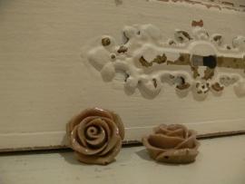 Kraal roos camel 22 mm (2 stuks) (KB55)