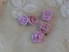 5 satijnen roosjes - oudroze