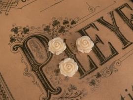 Kraal roos ivoorwit 15 mm. ( 3 stuks) (KB82)