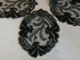 Oude zwarte tule applicaties (OK01)