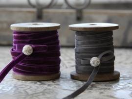 """""""Chic Antique """" 10 meter paars velours lint op houten klos (CA65) *"""