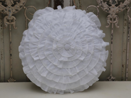 Chic Antique - kussen met roezels wit