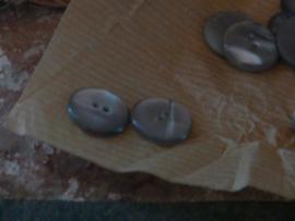 25 grijze knoopjes