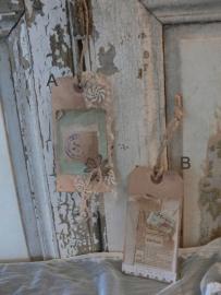 Vintage kado-label met oud kant (A/B) (L04)