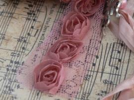 Klos met rozenlint (KL17)