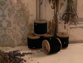 """""""Chique Antique """" 10 meter zwart velours lint op houten klos (CA06)*"""