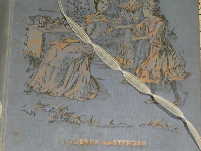 Oud frans kant  (1250) (MK11)